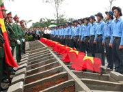 Remains of Vietnamese volunteer soldiers buried at home