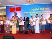"""64 women in HCM City awarded with """"Heroic Mother"""" title"""