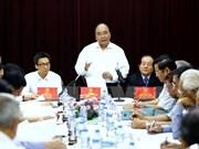 PM praises patriotism of writers, artists