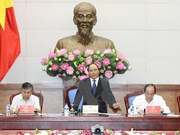 PM urges accelerating administrative procedure reform
