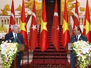 Vietnamese, Turkish PMs seek ways to beef up bilateral trade ties