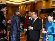 PM hosts banquet for foreign diplomats, friends on National Day