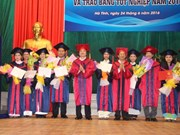 Ha Tinh contributes to manpower training cooperation with Laos