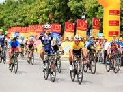 Korean racer wins fourth stage of cycling tournament