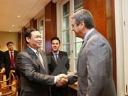 Deputy PM Vuong Dinh Hue meets WTO leaders