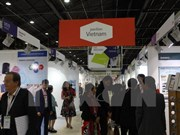 Vietnam attends international garment fair in France
