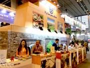 Vietnam promotes tourism at Paris international fair