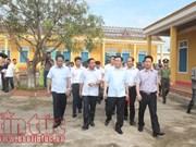 Deputy PM Vuong Dinh Hue visits storm victims in Ha Tinh