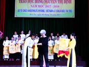 Scholarships given to female students in Ben Tre