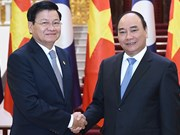 Lao PM starts official visit to Vietnam