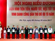 Hanoi honours 10 exemplary citizens in 2017