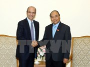 PM Nguyen Xuan Phuc welcomes AB InBev CEO