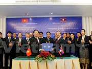 Vietnam, Laos foster information, communication partnership