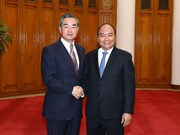 PM Nguyen Xuan Phuc welcomes Chinese Foreign Minister