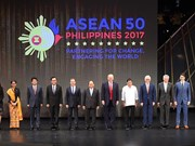 Vietnamese PM attends ASEAN Summit in Philippines