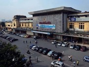Hanoi asked to evaluate traffic density around railway station