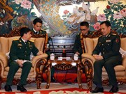 Vietnamese, Chinese military officers hold exchange