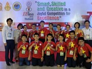 Vietnamese students win prizes at int'l maths and science contest
