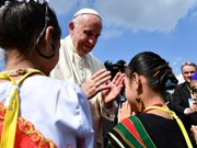 Pope Francis pays historic visit to Myanmar