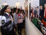 Photo exhibition on Vietnam, Laos relations opens in Hanoi