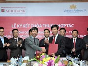 Vietnam Airlines and Agribank sign co-operation agreement
