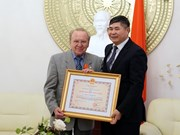 Vietnam's Friendship Order presented to German journalist