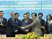 Vietnam Airlines, university provide aeronautical training