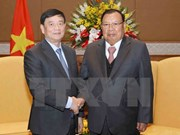 Lao leader meets President of Vietnam-Laos Friendship Association