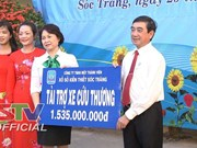 Needy people in Hau Giang, Soc Trang receive assistance