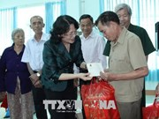 Vice President presents gifts to policy beneficiaries in Binh Phuoc