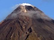 Philippines evacuates over 900 families under volcano eruption risk