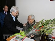 Leaders pay Tet visits to former Party chief Do Muoi