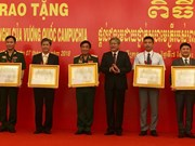 Cambodia's friendship order to Vietnamese individuals, organisations