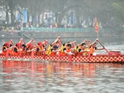 Traditional boat racing in Hanoi attracts crowds