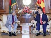 President Tran Dai Quang meets Bangladeshi President Abdul Hamid