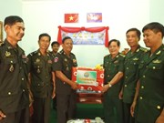 Tay Ninh extends greetings to Svay Rieng armed forces on Cambodian New Year