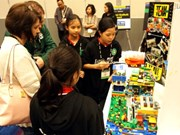 Vietnamese student teams win big at US lego event