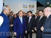 Prime Minister visits Singapore Management University