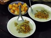 Bowls of 'chao trai' delight Hanoi