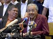 PM Nguyen Xuan Phuc congratulates Malaysian counterpart
