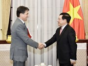 Deputy PM Pham Binh Minh receives Greek ambassador