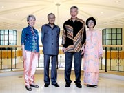 Singapore Prime Minister visits Malaysia to boost ties