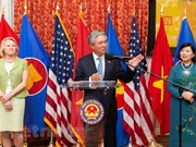 Vietnamese Ambassador to US bids farewell to local officials, friends
