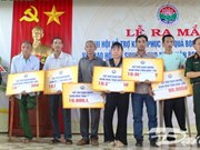Dak Lak: UXO victims receive financial aid to improve livelihoods