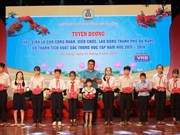 Da Nang commends students with high academic results