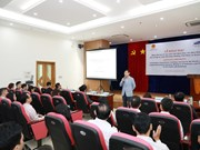 Samsung Vietnam opens more training courses for consultants