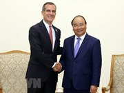 PM seeks stronger trade, investment ties with Los Angeles
