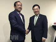 Deputy PM Pham Binh Minh meets with Cambodia, Norway foreign ministers