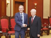 Vietnam wants to step up cooperative ties with UK: Party chief