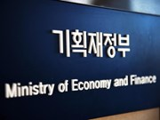 RoK's overseas direct investment surges in Q2